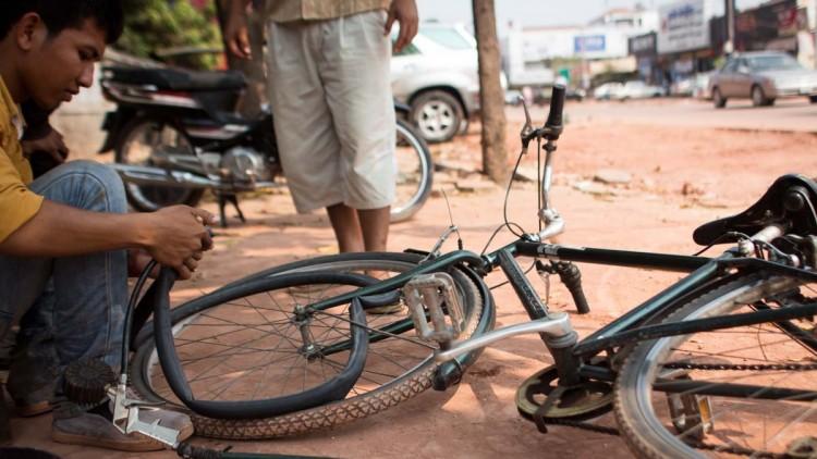 腳踏車爆胎