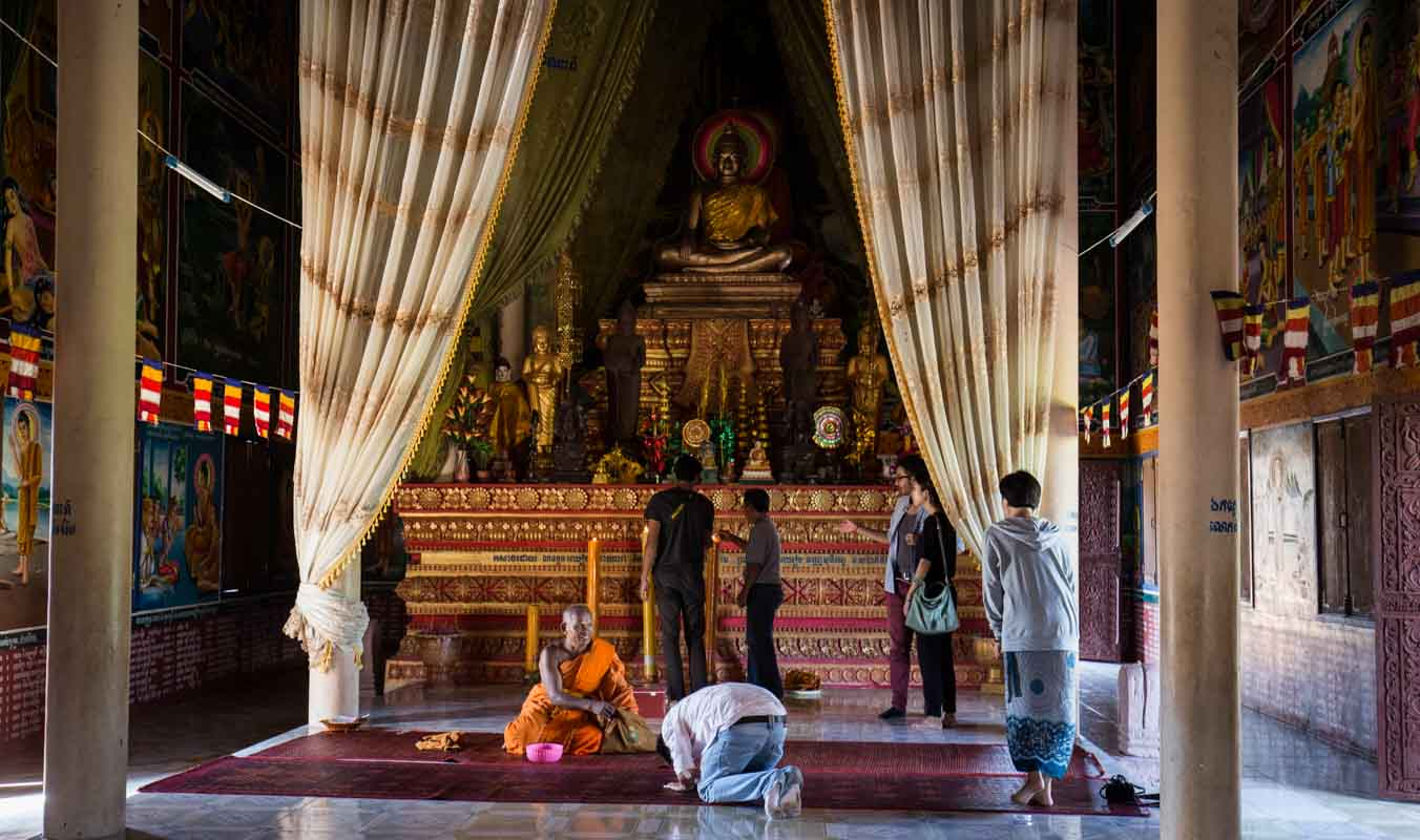因为经济改善,现今寺庙的佛像,也以铜铸成