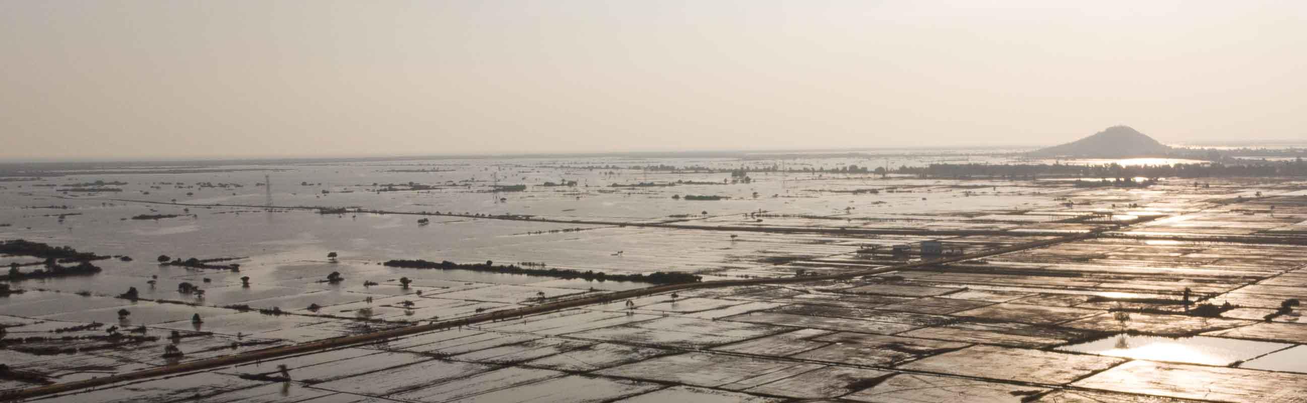 洞里萨湖定期泛滥